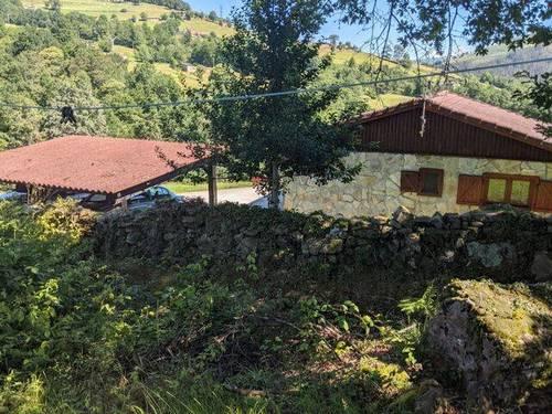 imagen 1 de Venta de casa rural en plena montaña en San pedro del Romeral (Cantabria)