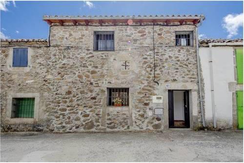 imagen 1 de Venta de casa rural reformada en El Barquillo (Ávila)