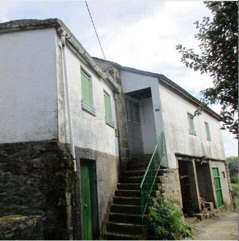 imagen 1 de Venta de fincas y dos casas rurales en Viana (Ourense)