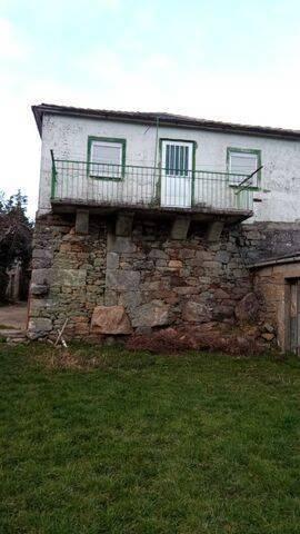 imagen 3 de Venta de fincas y dos casas rurales en Viana (Ourense)
