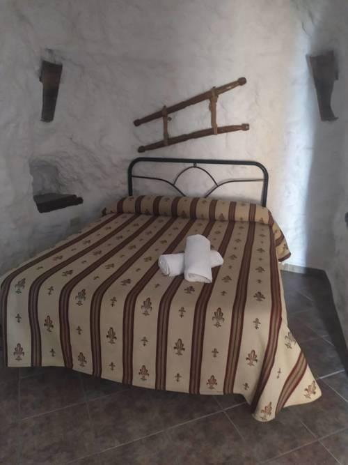 imagen 10 de Venta de cuevas para turismo rural
